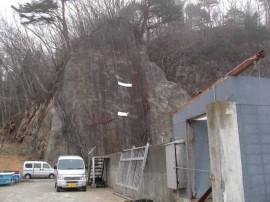 田老漁港に設置されている津波到達点を示すプレート