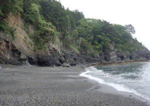 碁石海岸・館ヶ崎角岩岩脈