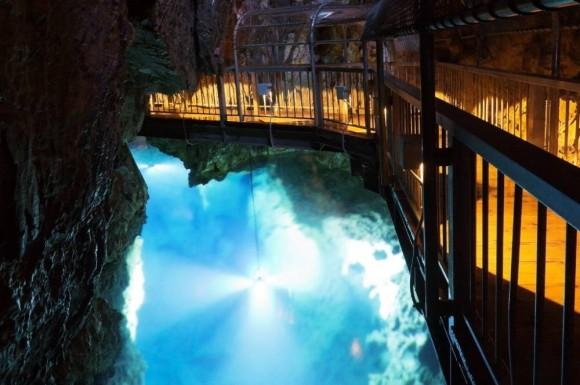 龍泉洞第3地底湖