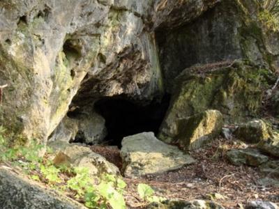 関谷洞窟住居跡